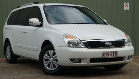 2012 Kia Grand Carnival Si Wagon