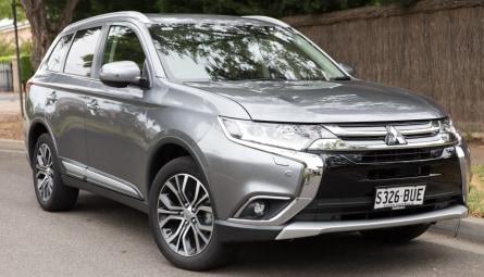 2017  Mitsubishi Outlander Exceed Wagon