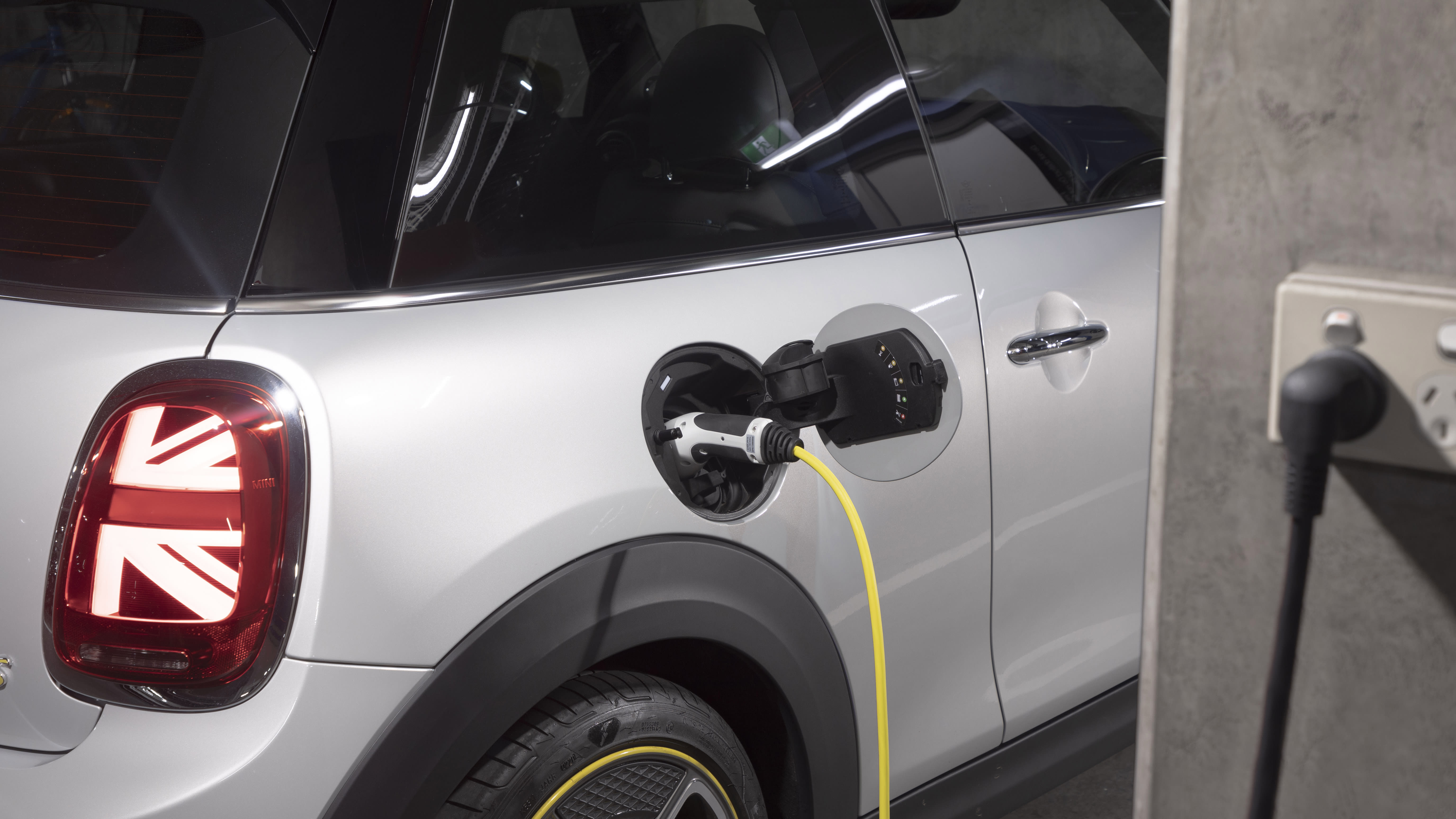 Mini to drop petrol and diesel by 2030 to become all-electric brand - report