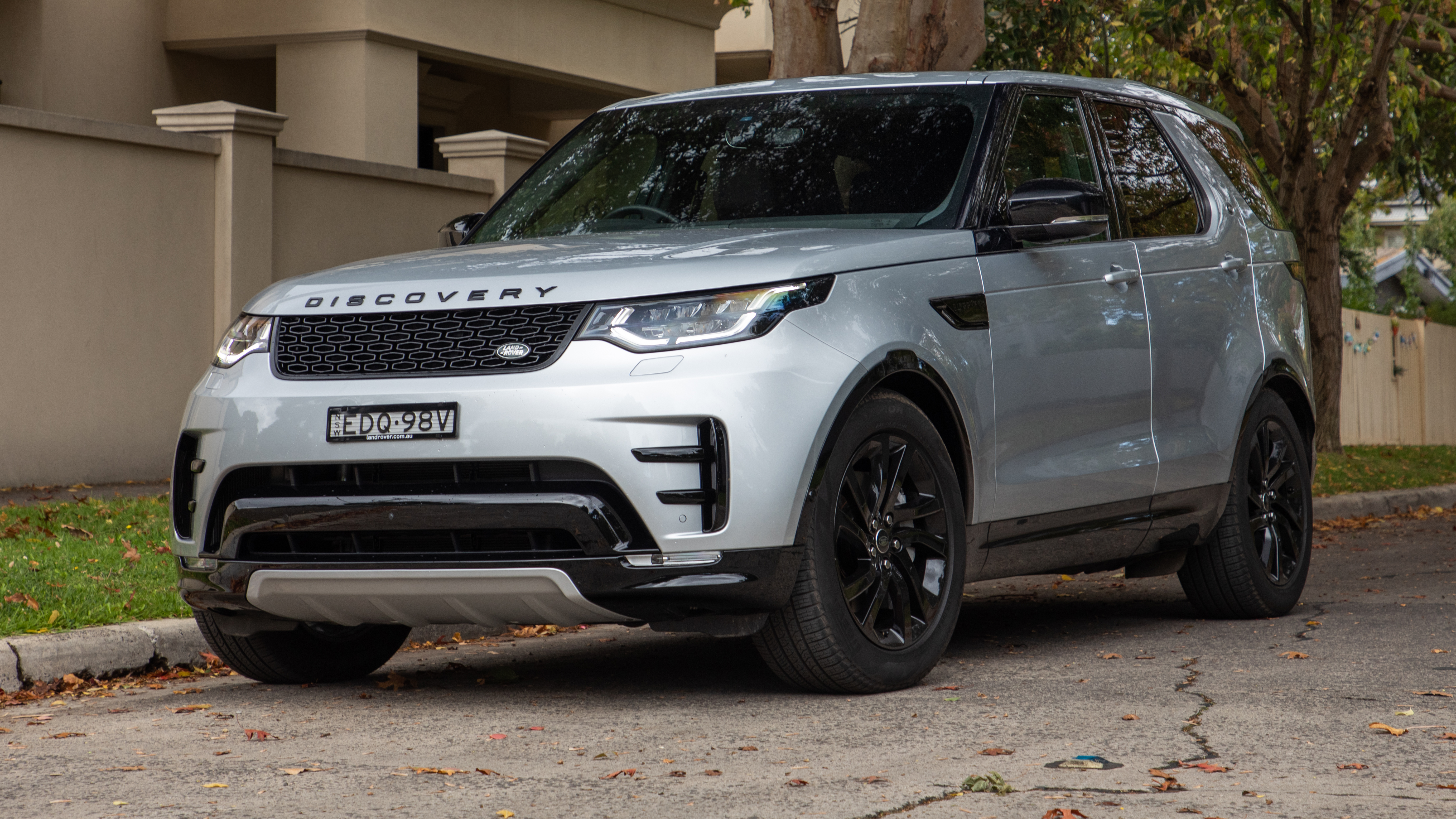 2020 Land Rover Discovery Landmark SDV6 review