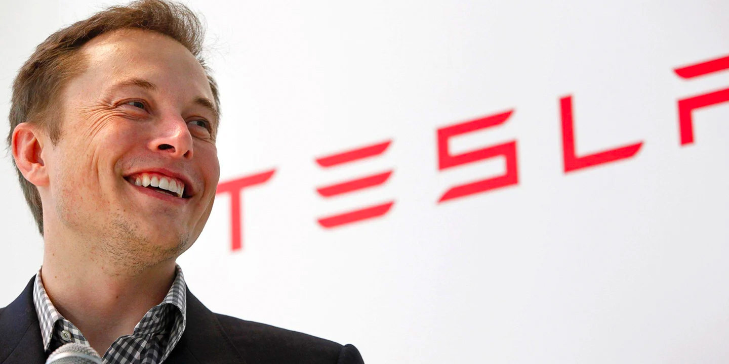 "Elon Musk defends ""autopilot"", says another name would be ""idiotic"""