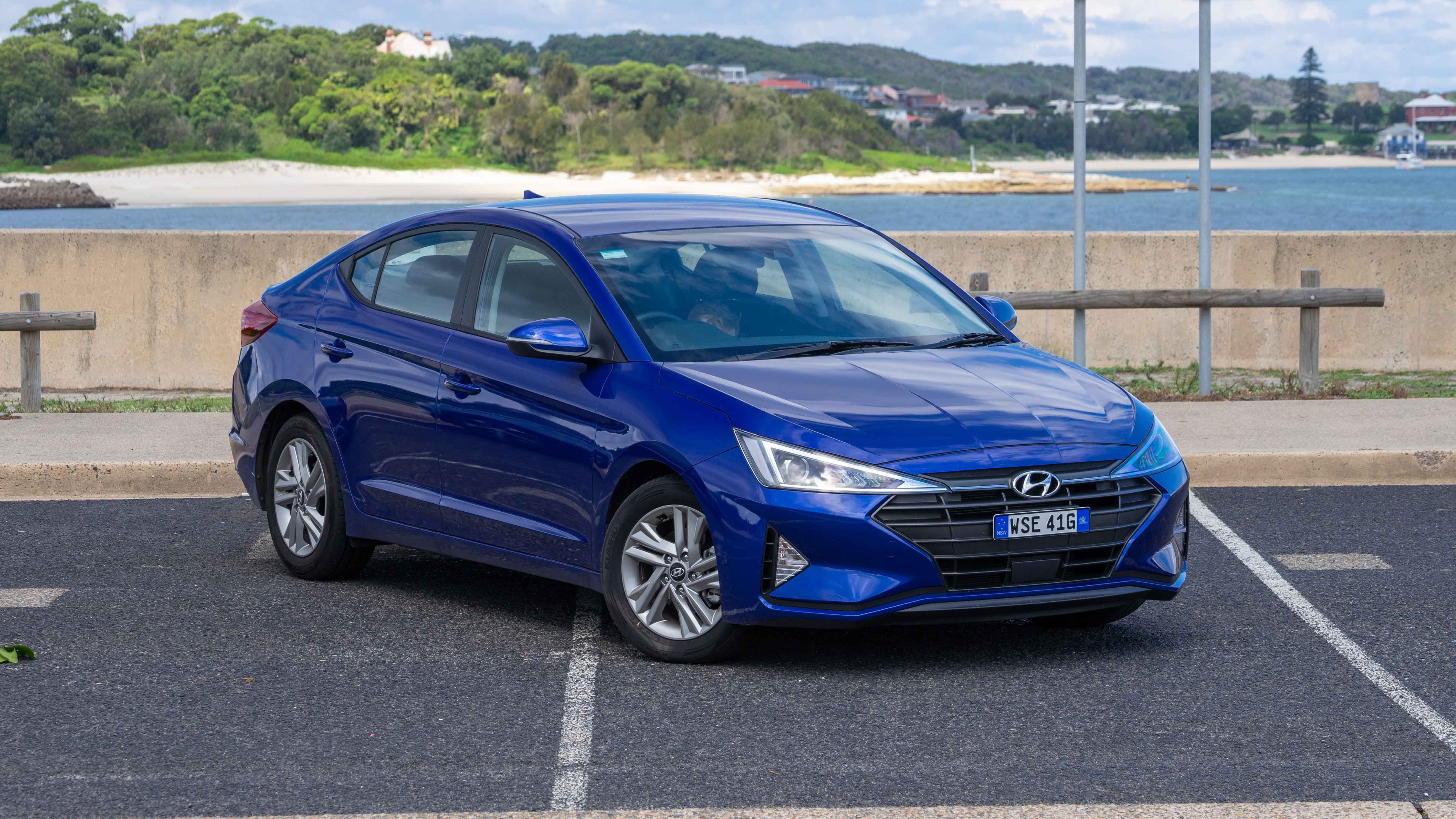 Hyundai Elantra Active 2019 Sedan Review
