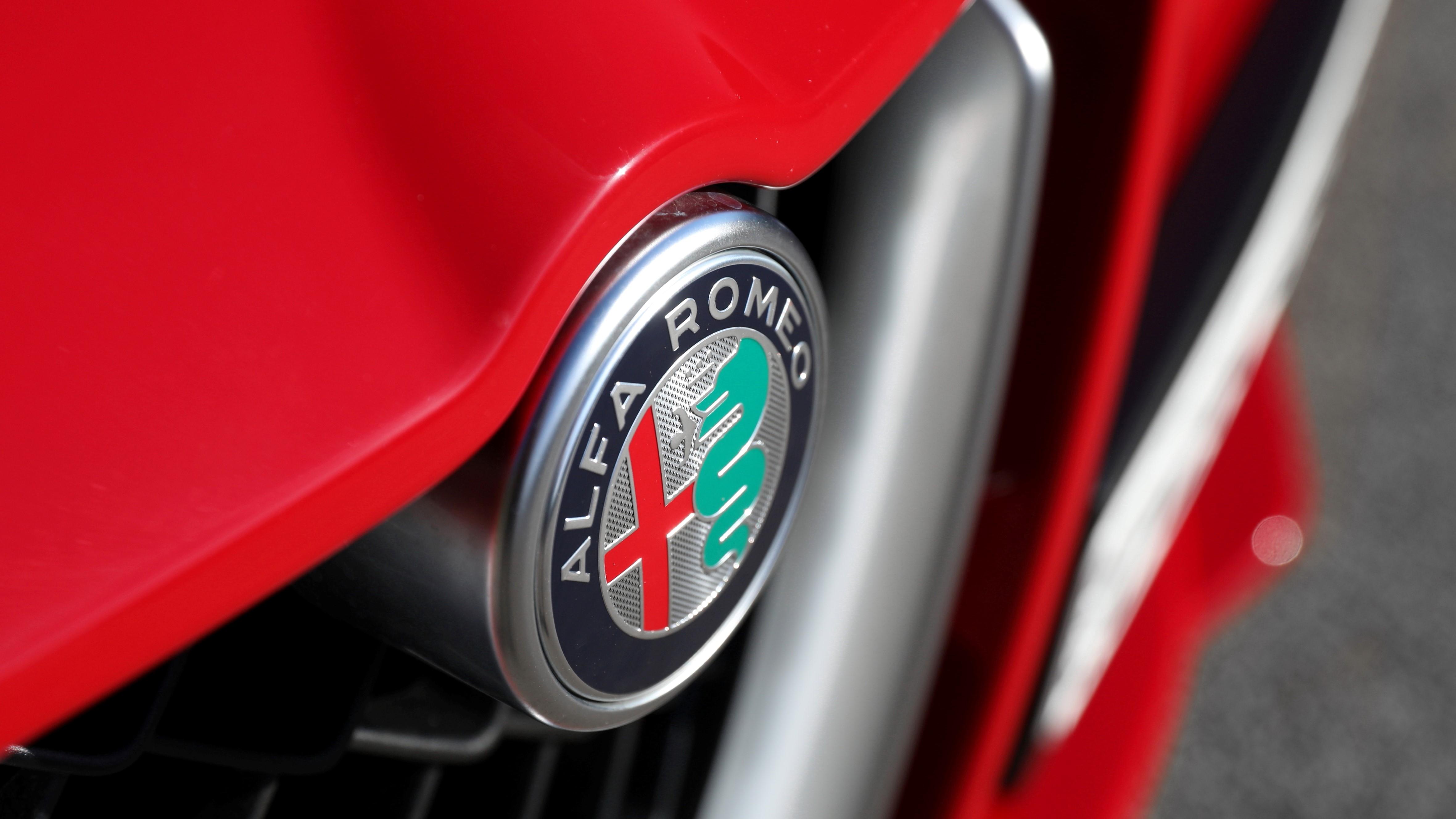 Alfa Romeo Stelvio Quadrifoglio 2018 Wagon Review