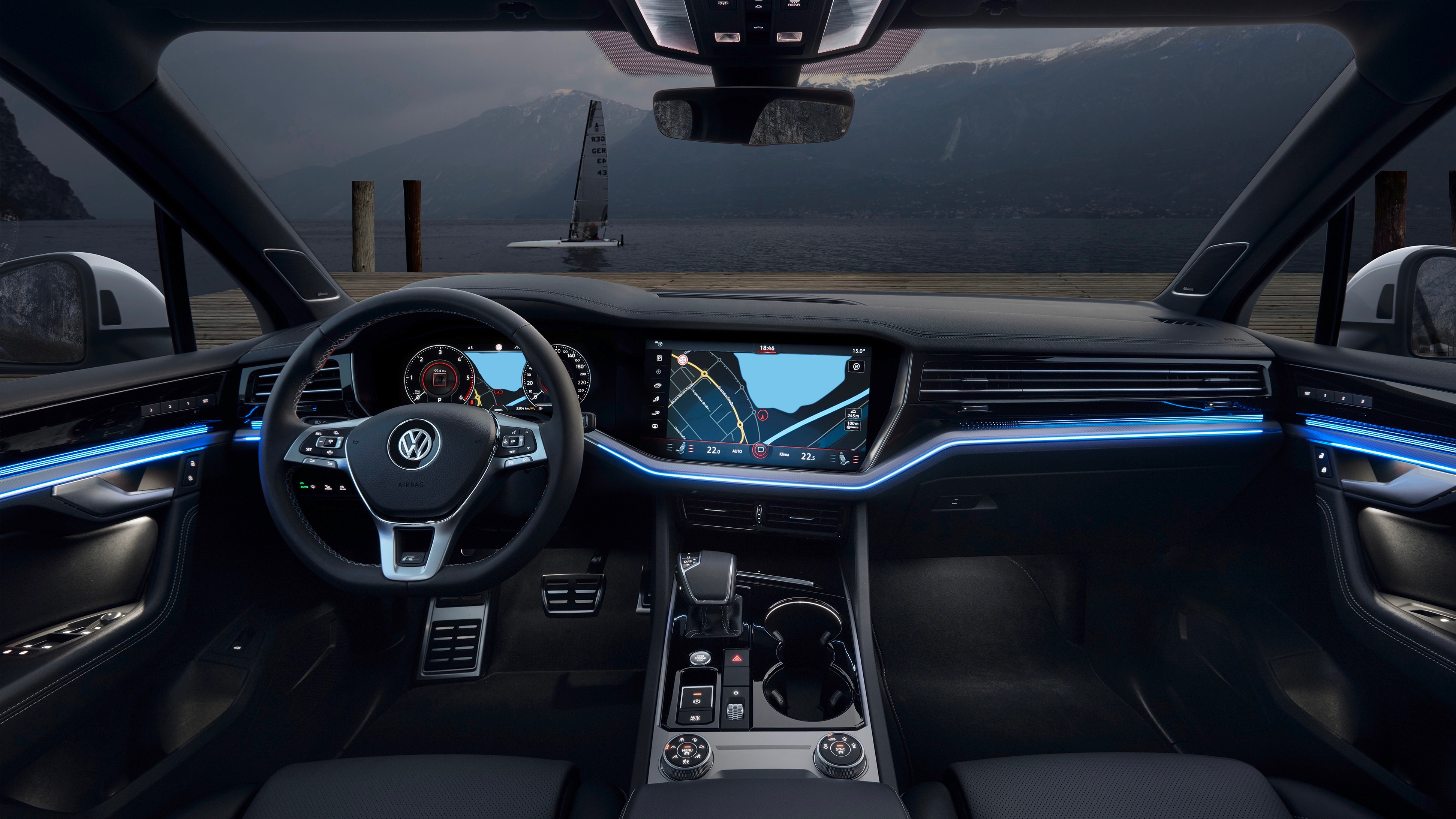 Volkswagen Touareg R-Line cabin night