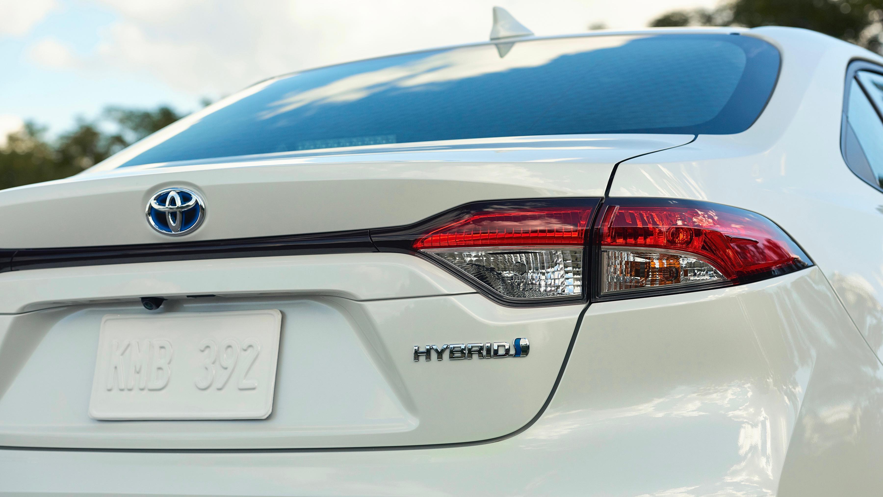 Hybrid tech for new Corolla sedan
