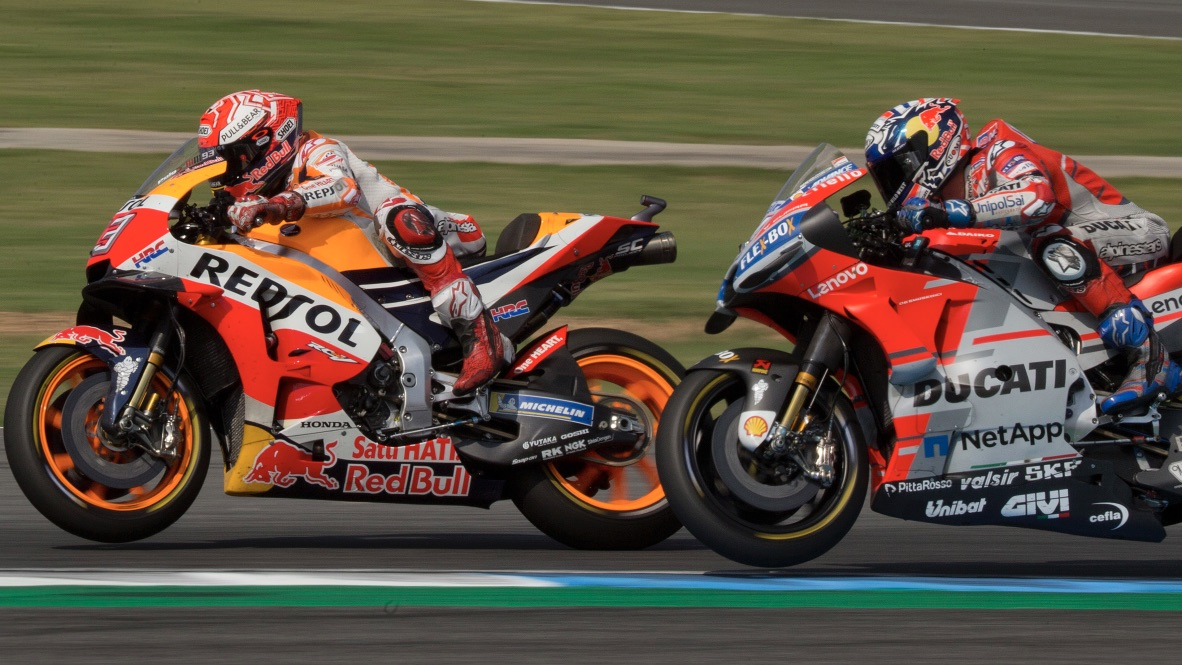 Marc Marquez leads Andrea Dovizioso in Thailand