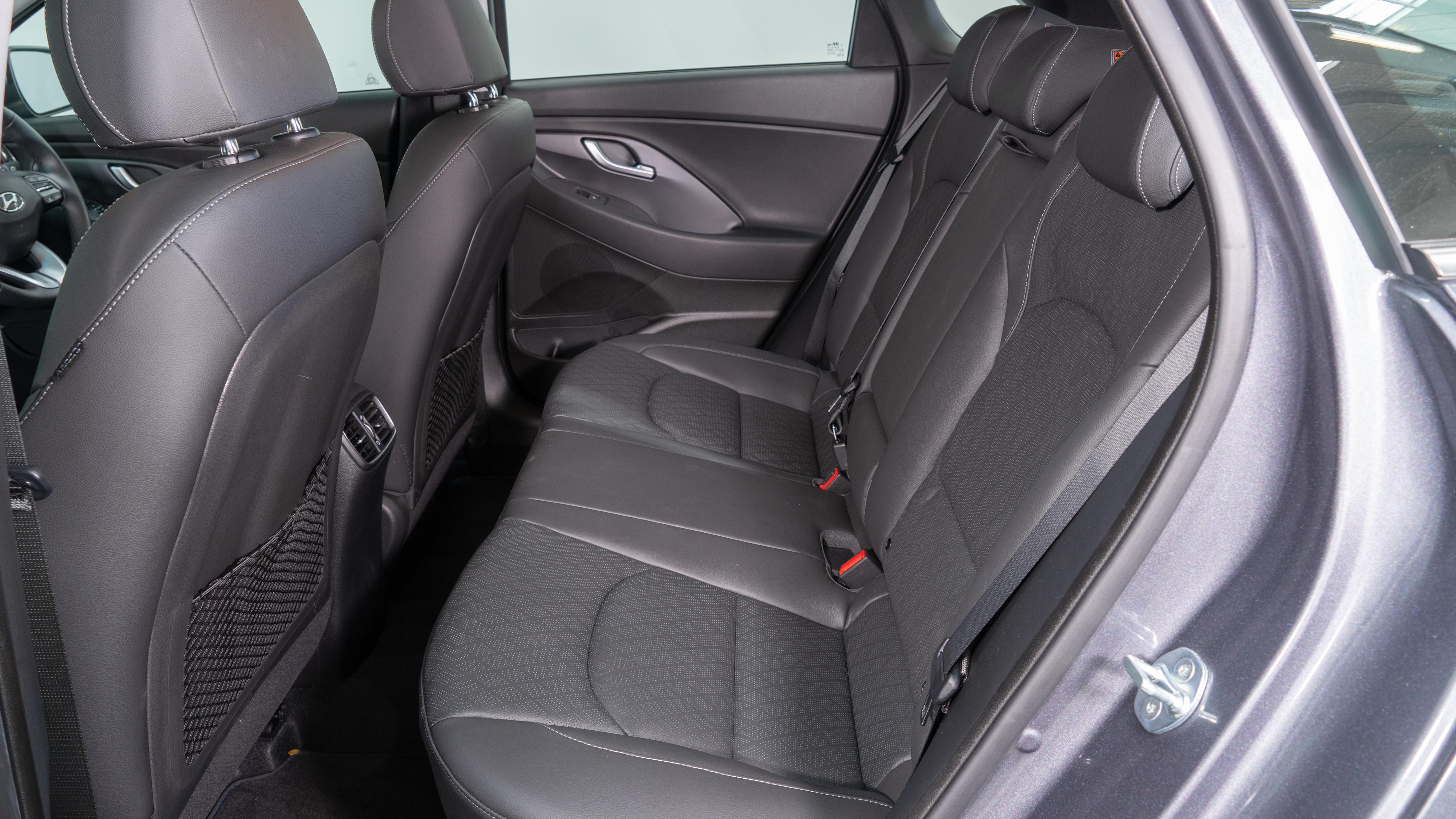 i30 back seat