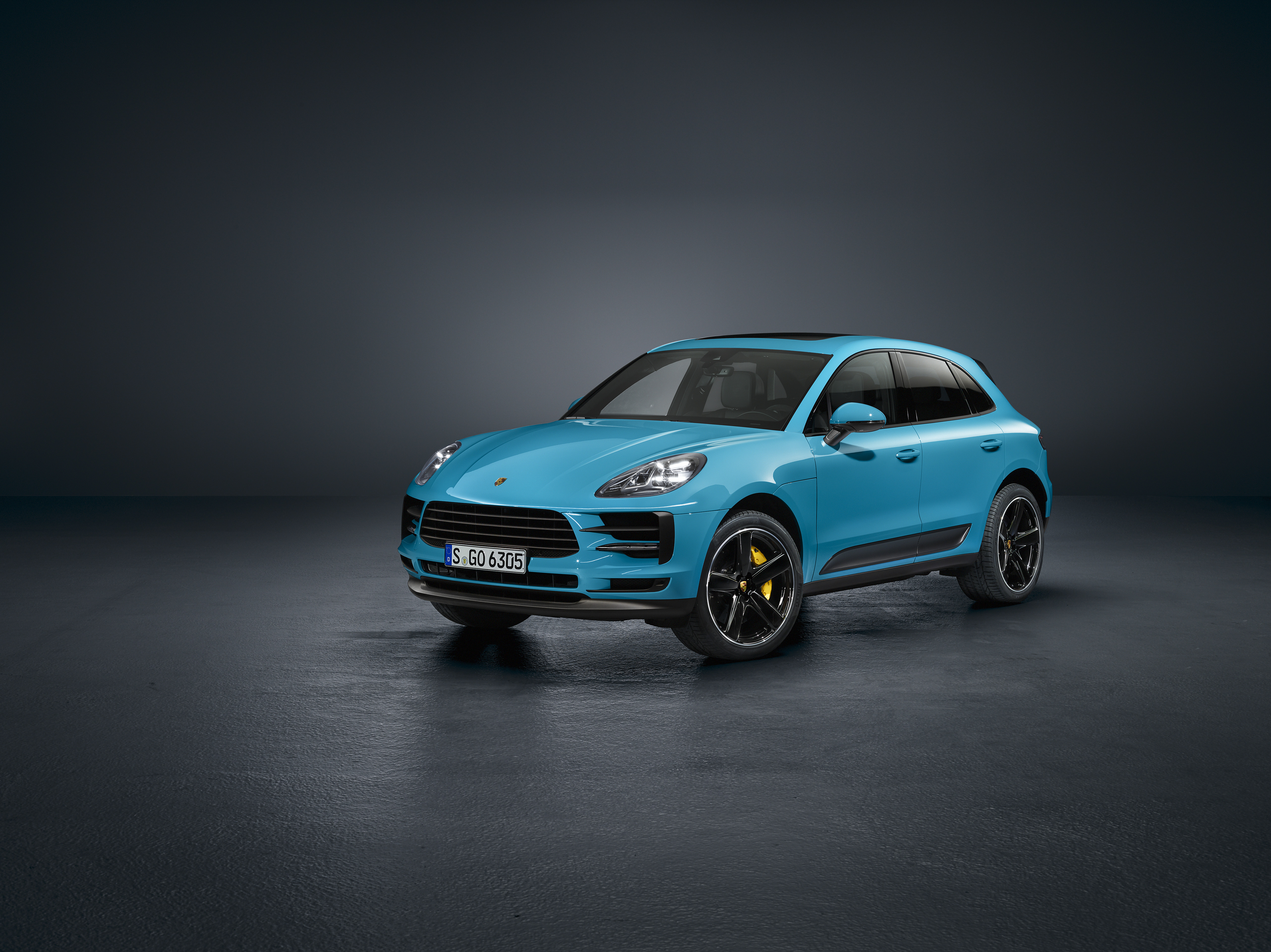 Porsche reveals updated Macan