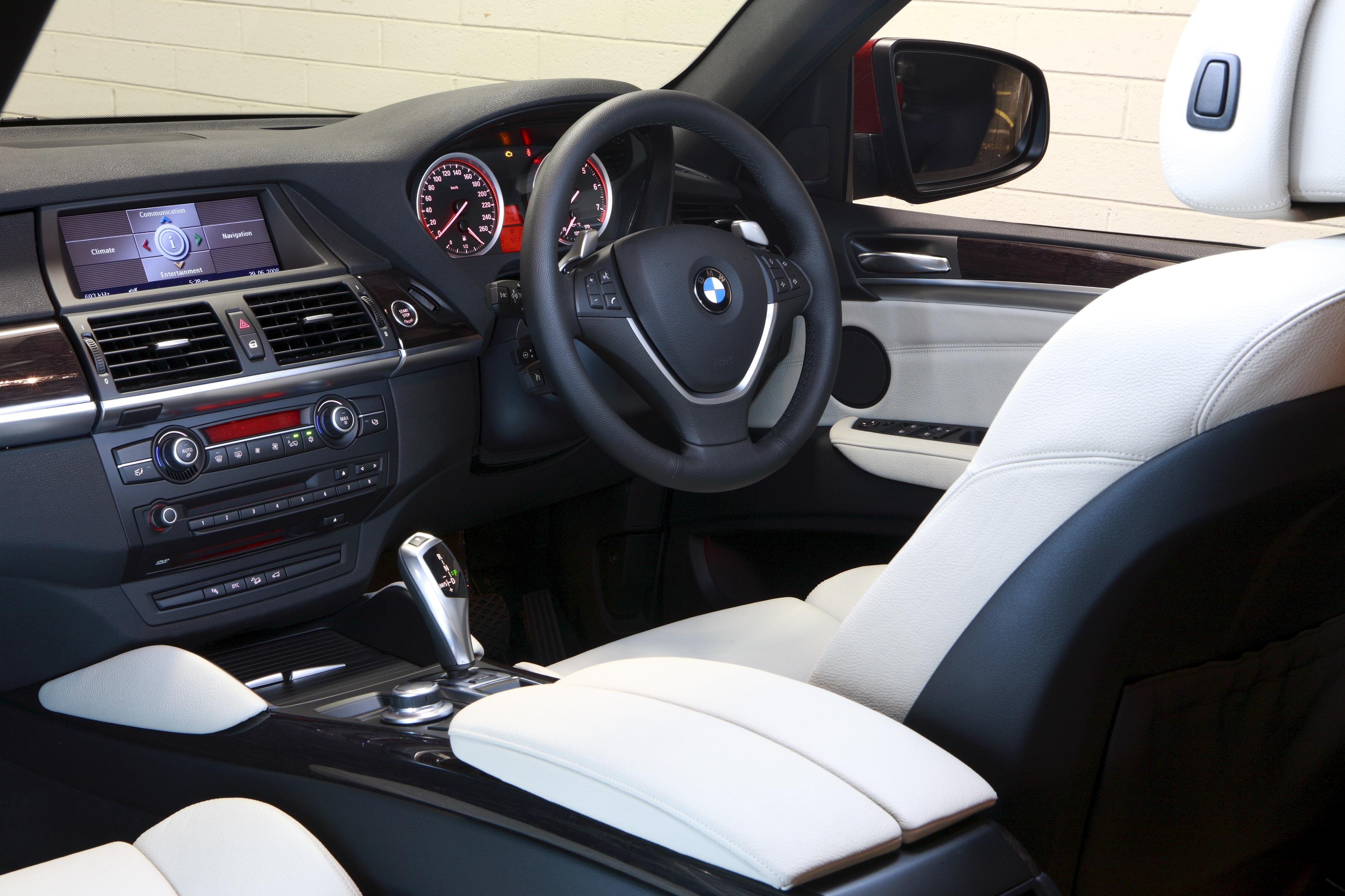 2008 BMW X6.