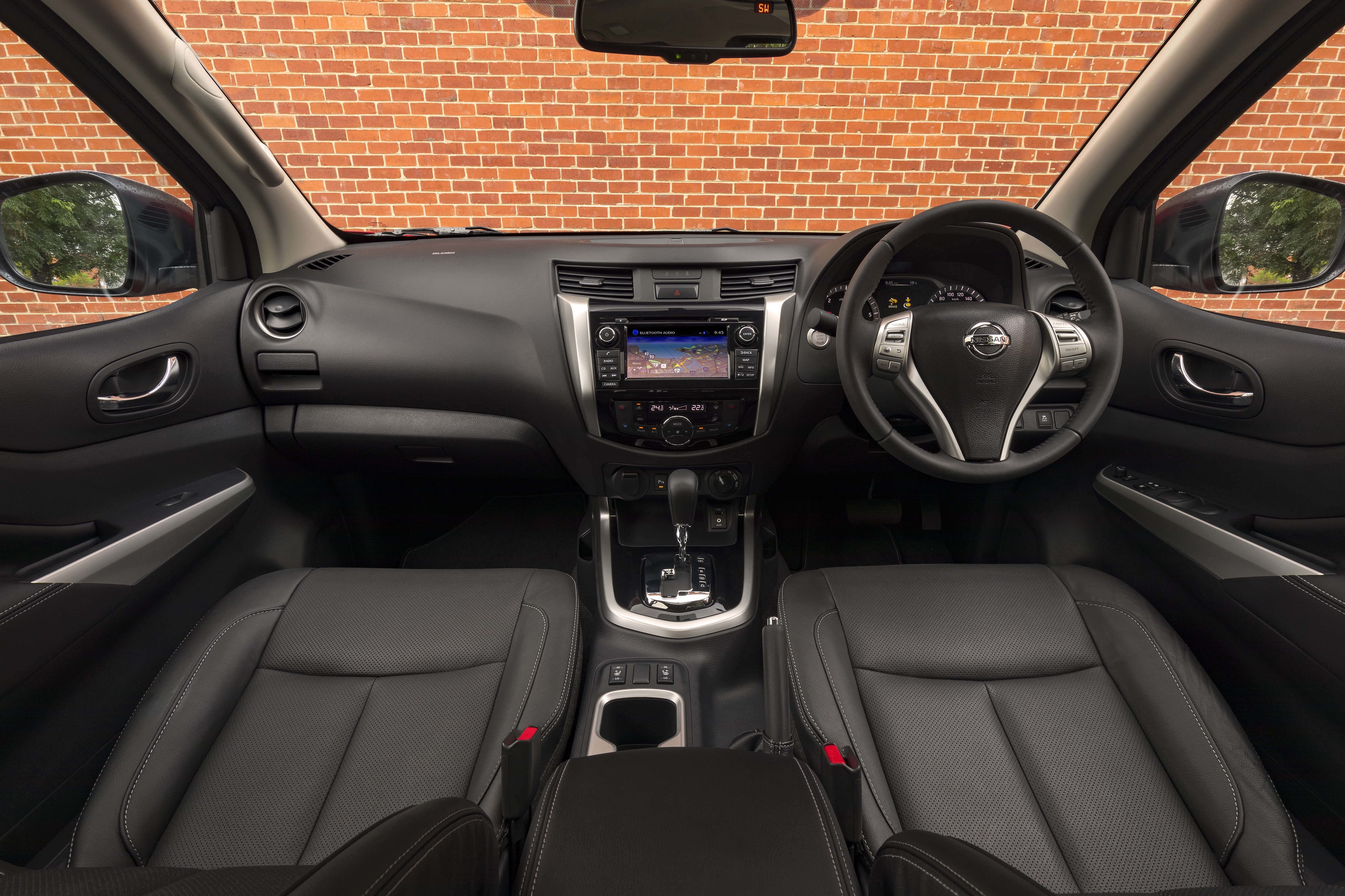 Nissan Navara ST-X.
