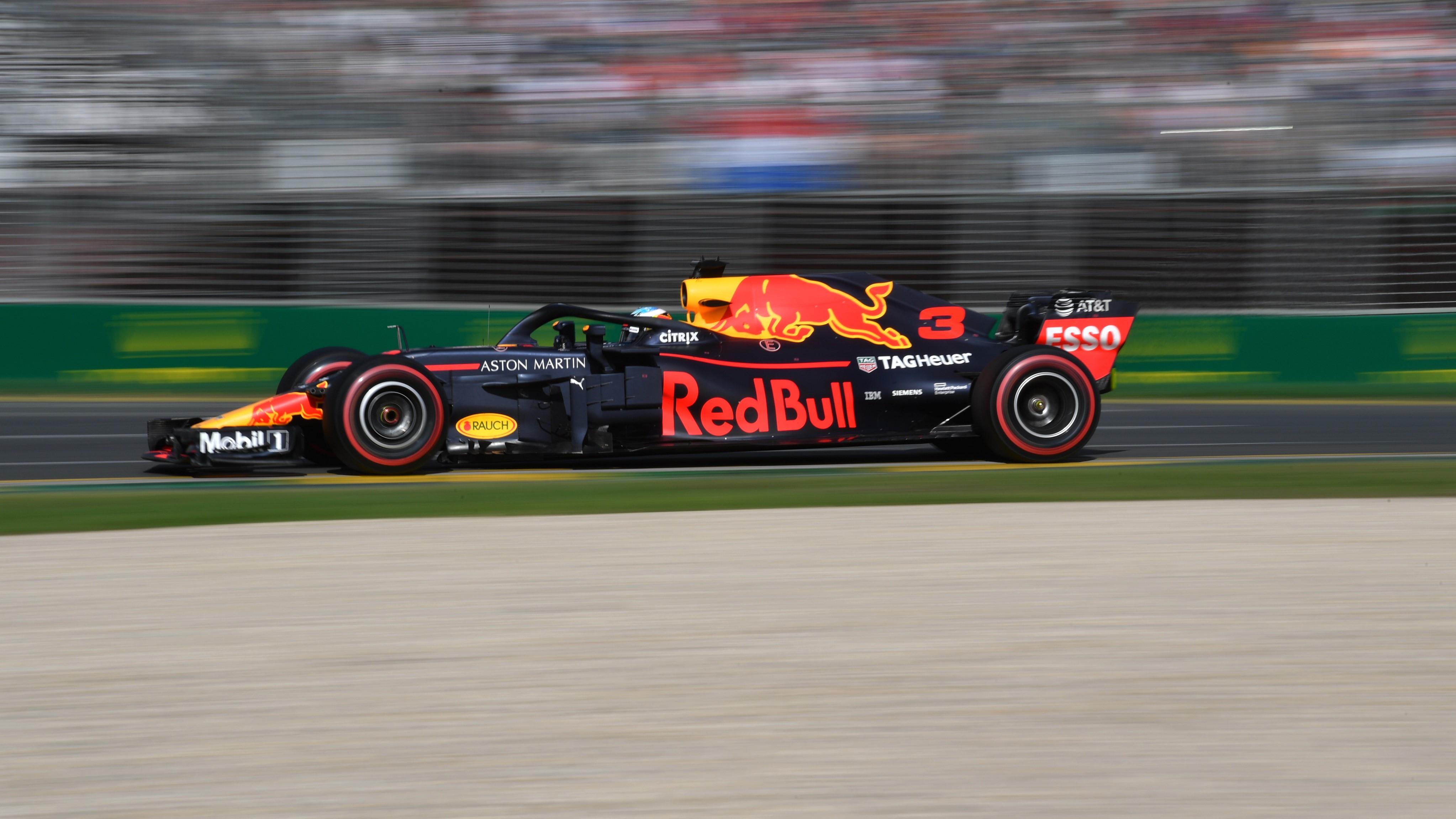 Daniel Ricciardo on his way to fourth place in the 2018 Australian Grand Prix.