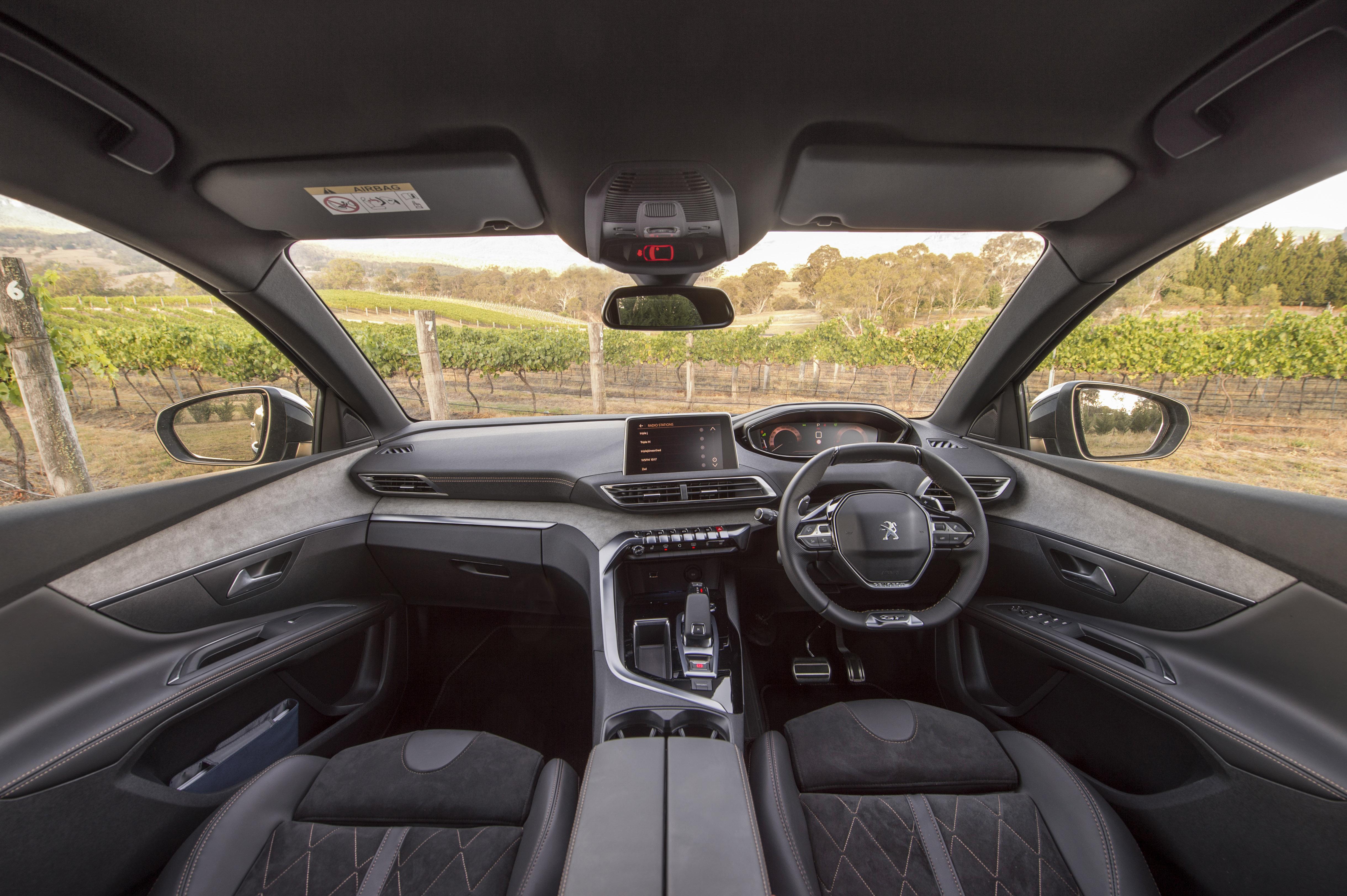 2018 Peugeot 5008 GT.