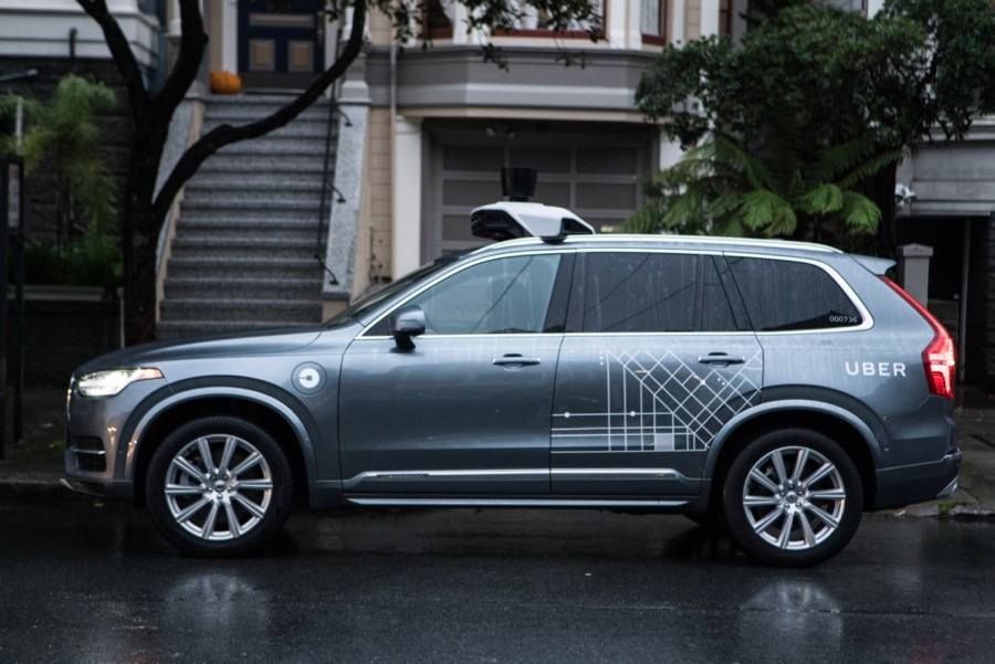 Driverless Volvos coming