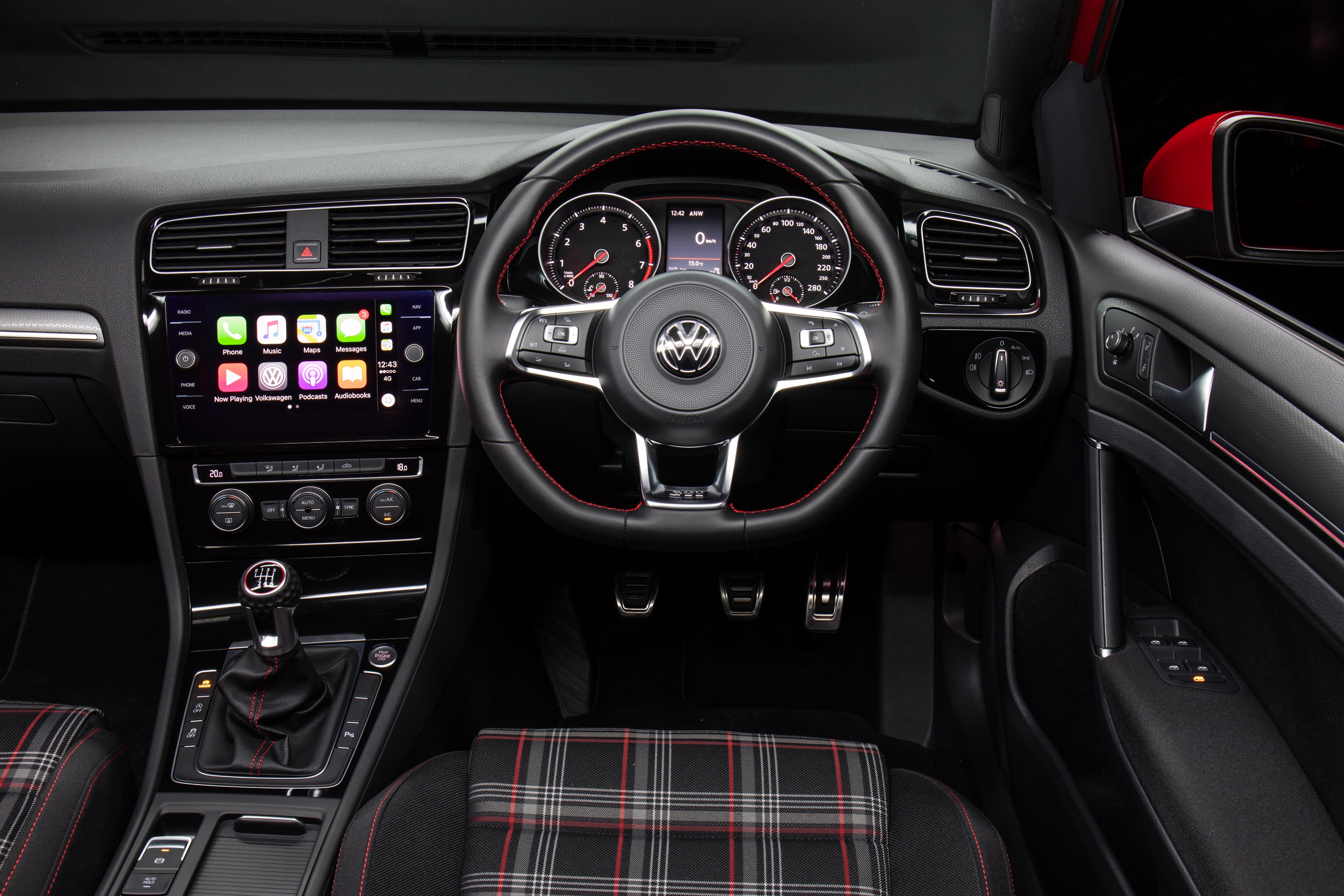 2017 Volkswagen Golf GTI 7.5.