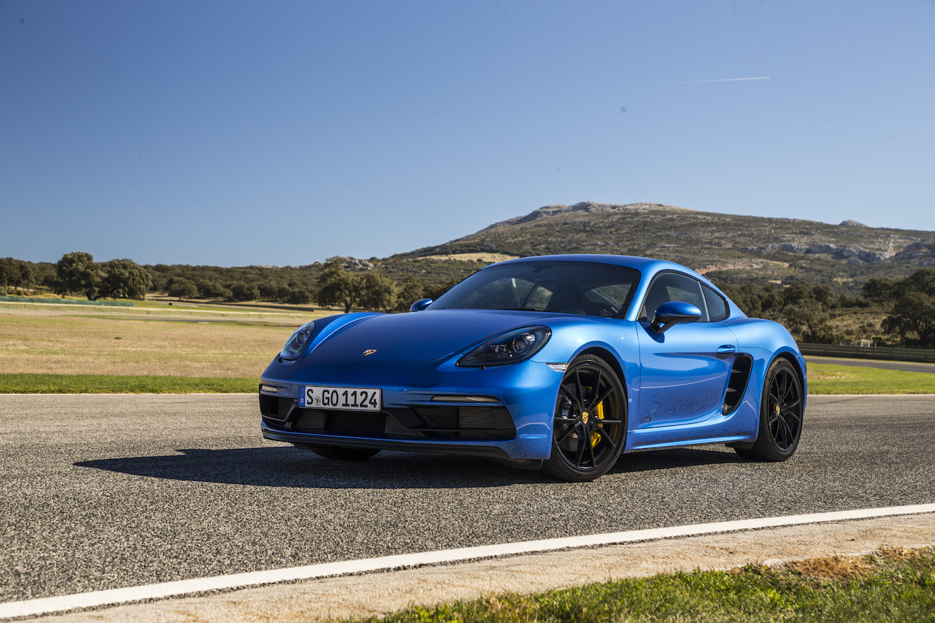 2018 Porsche 718 Boxster GTS and 718 Cayman GTS Overseas Preview Drive