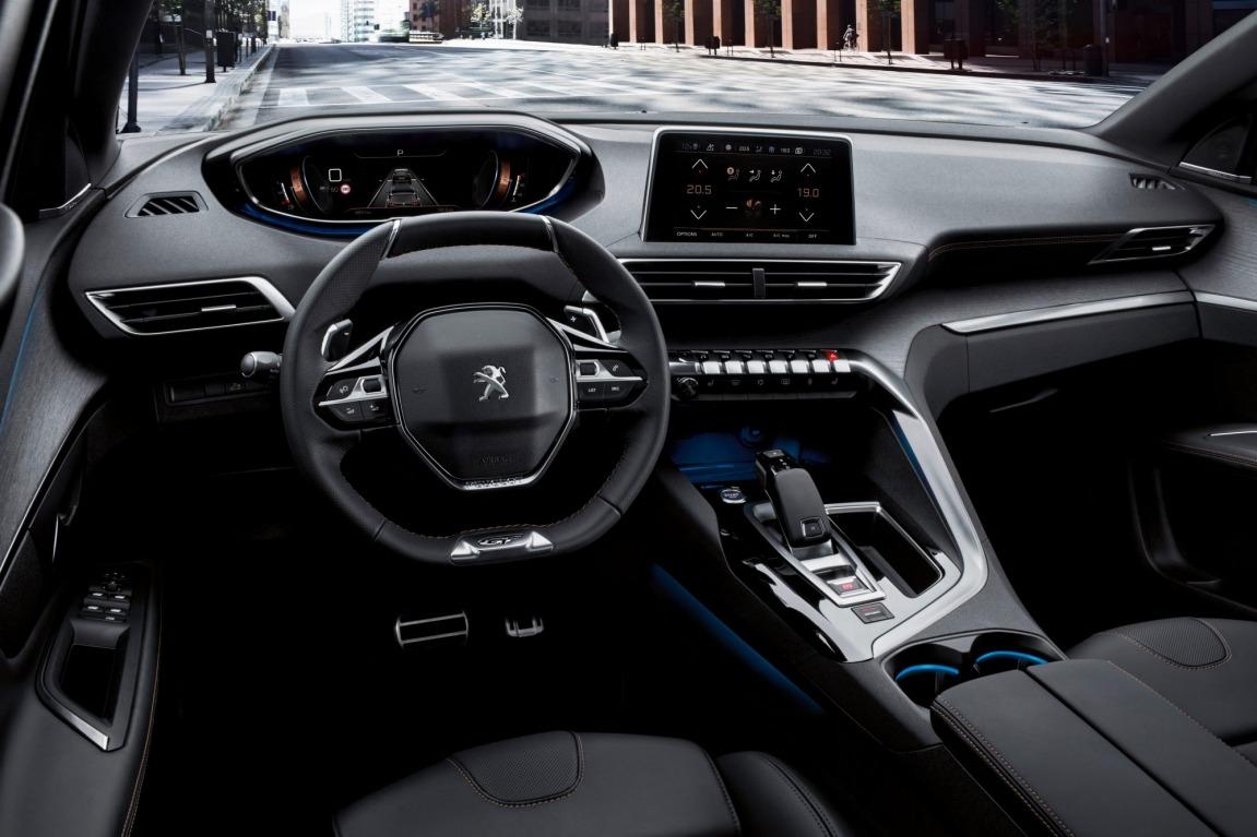 2017 Peugeot 5008.