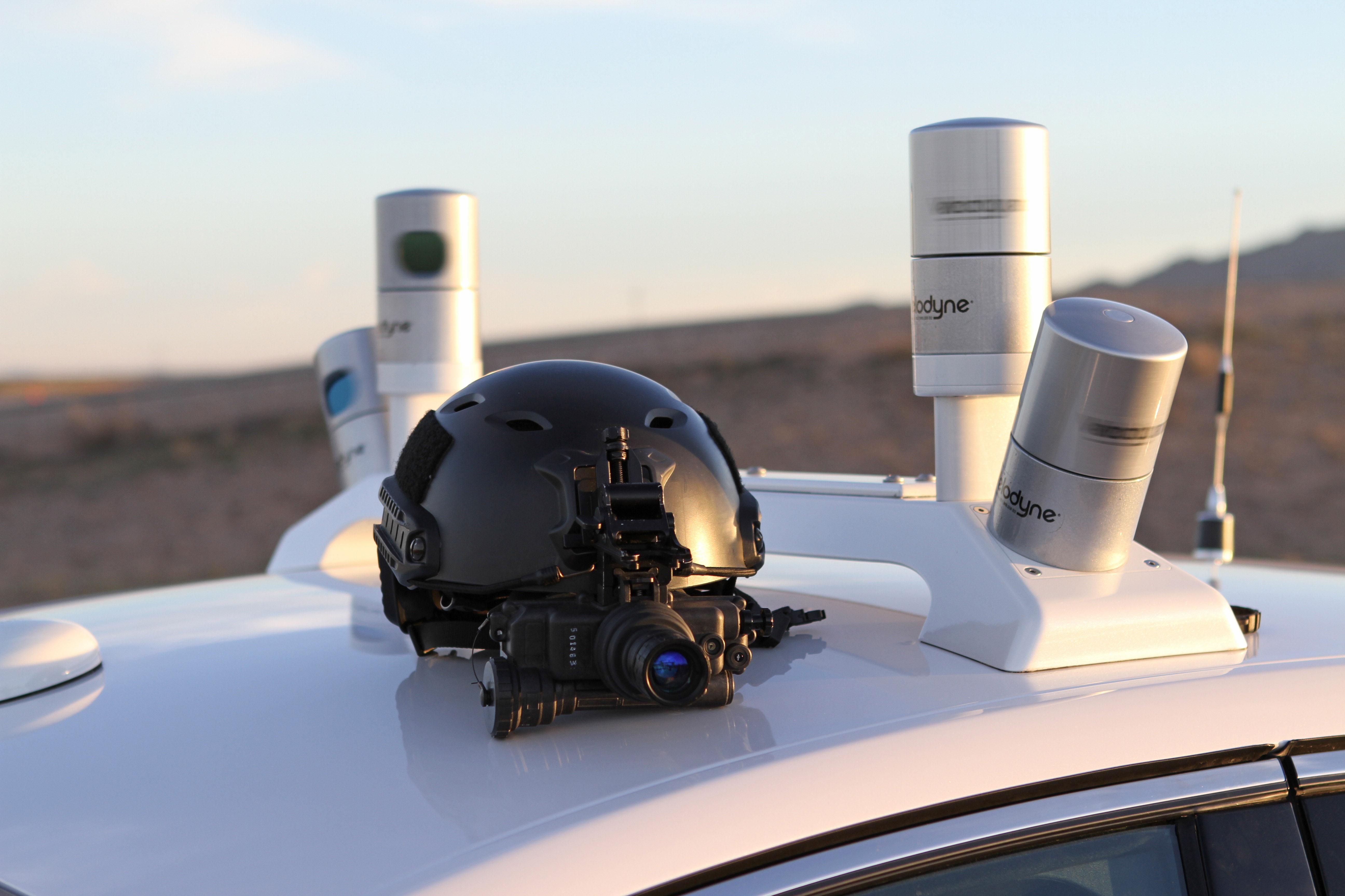 Autonomous cars require complex LiDar scanners