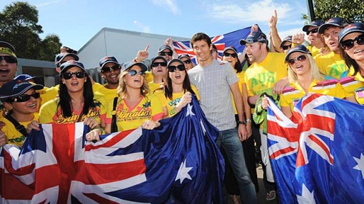 Aussie driver Mark Webber got some support from the Fanatics.