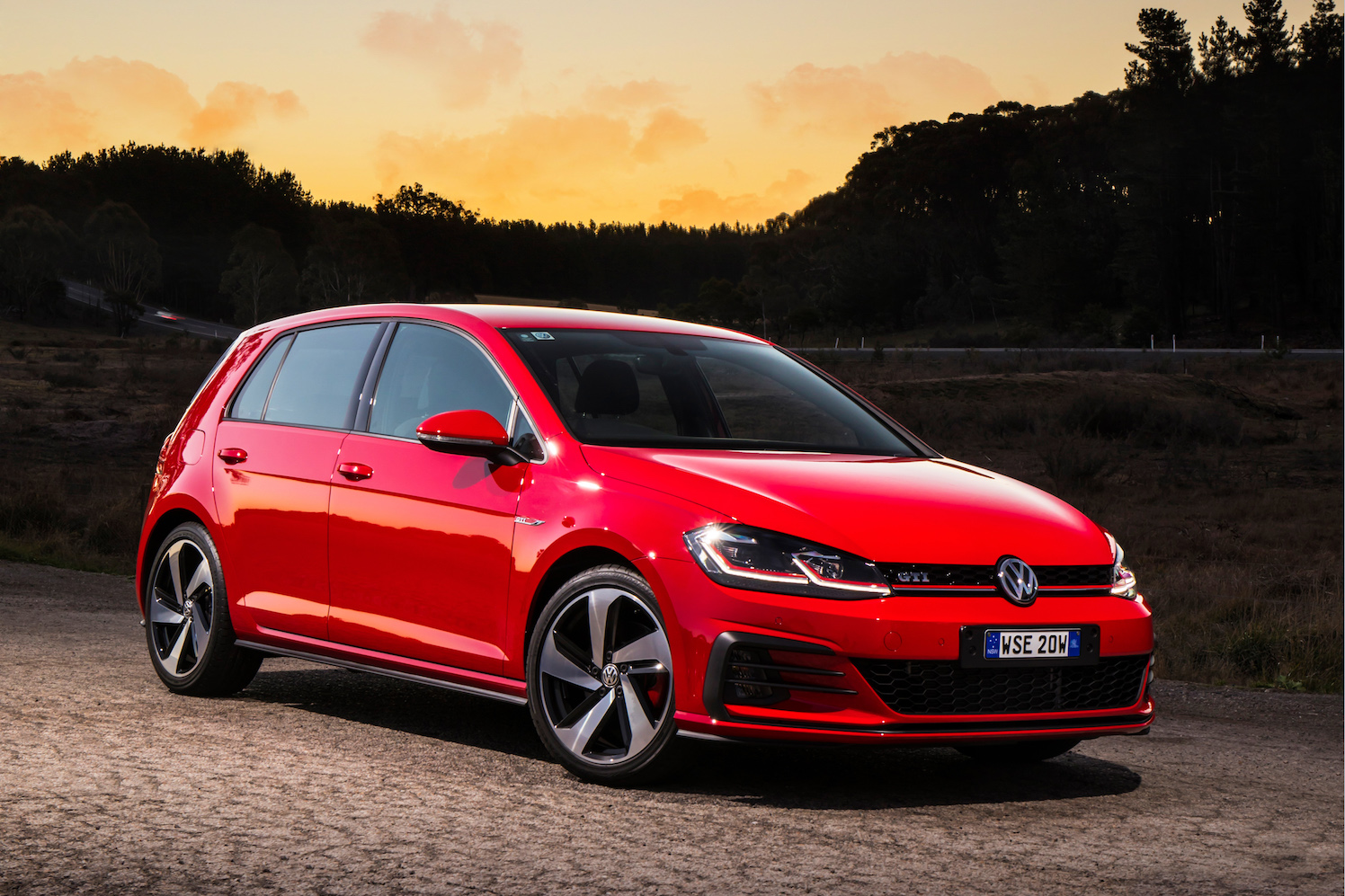 2017 Volkswagen Golf GTI, GTI Performance & Golf R Mark 7.5 First Drive Review | The Hot Hatch Is Alive And Well