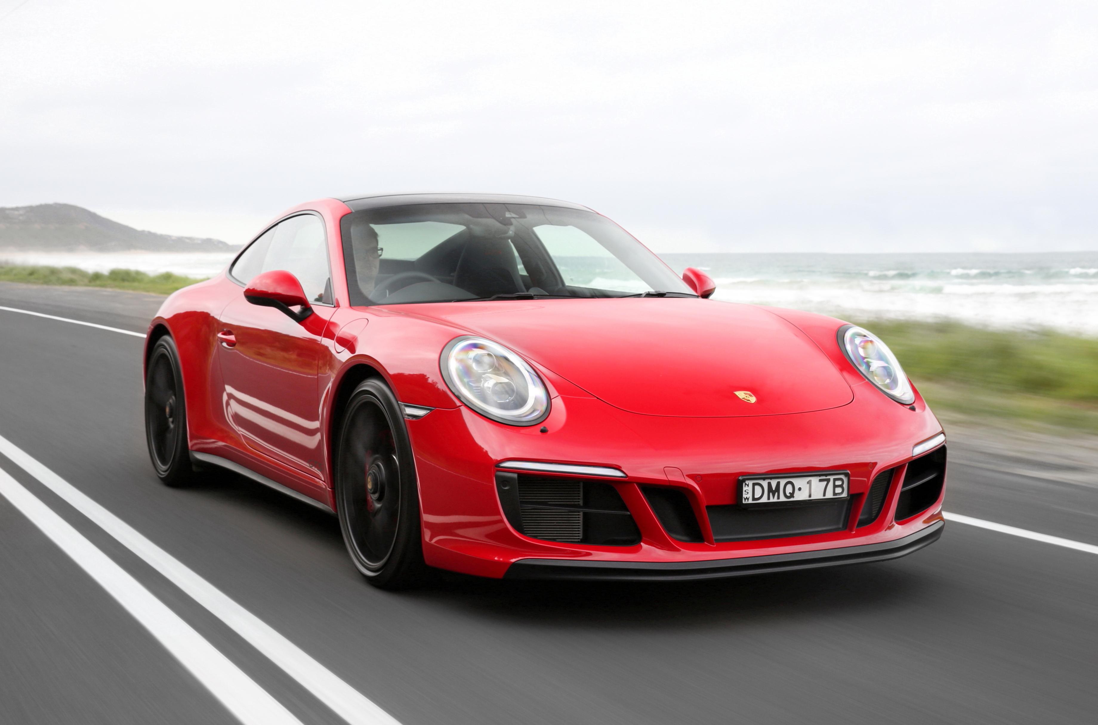 2017 Porsche 911 Carrera4 GTS review