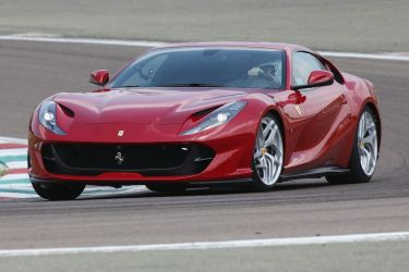 2018 Ferrari 812 Superfast new car review