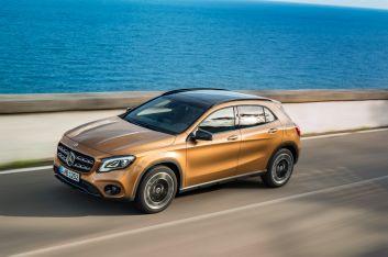 Mercedes-Benz GLA 220d 4MATIC, canyonbeige, Fahraufnahme // Mercedes-Benz GLA 220d 4MATIC, canyon beige, driving shot Kraftstoffverbrauch kombiniert: 4,8 l/100 km, CO2-Emissionen kombiniert: 127 g/km // Fuel consumption combined: 4.8 l/100 km; Combined CO