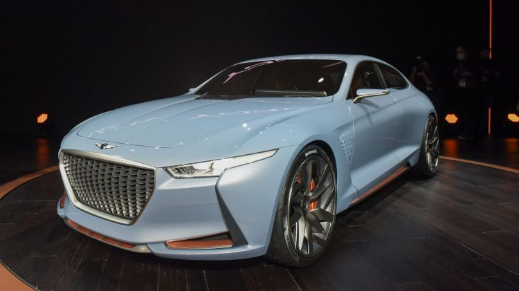 Genesis' 2016 New York Concept paves the way for a new BMW 3-Series rival.