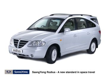 SSangYong Stavic [ European name : SSangYong Rodius ] Silver car . pic shows the SSangYong Stavic motor car SSangYong Stavic 2005 aka Rodius in Europe SSangYong Rodius . supplied pic .White / silver