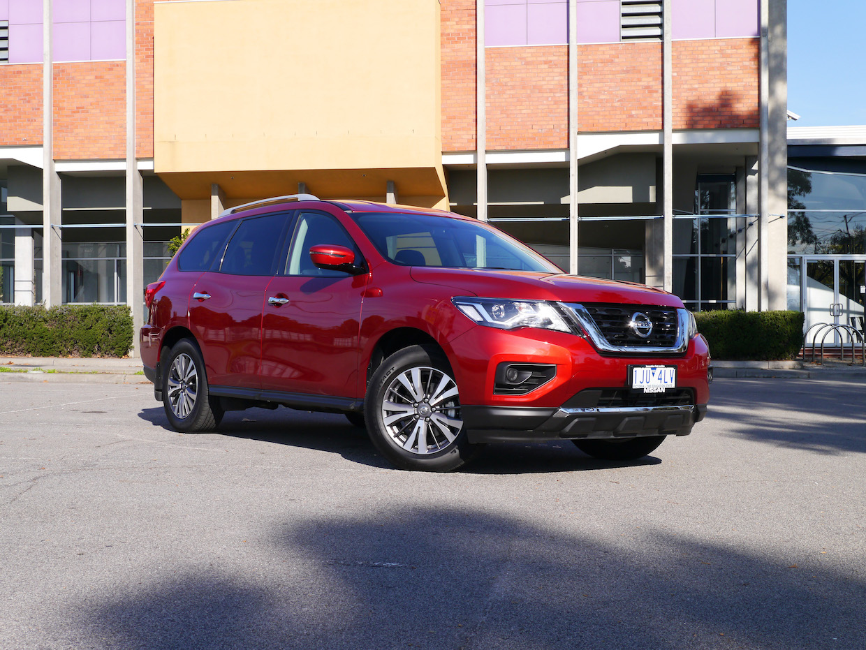 2017 Nissan Pathfinder ST AWD Review | Huge Space, Comfort, And Refinement For Aussie Families
