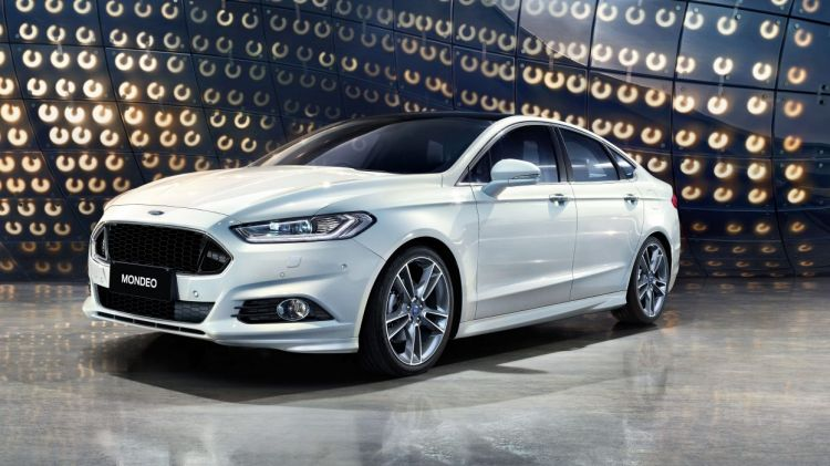 2017 Ford Mondeo.