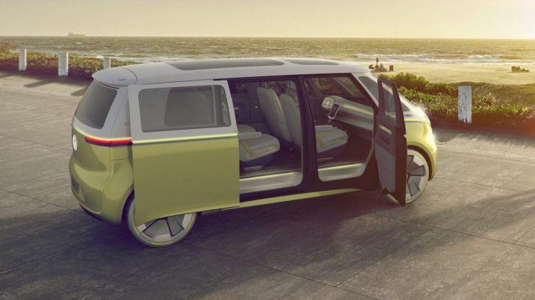 2017 Volkswagen I.D. Buzz concept teases a return of the iconic Kombi.
