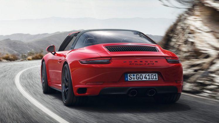 2017 Porsche 911 Targa 4 GTS.