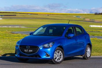 Mazda2 Maxx.