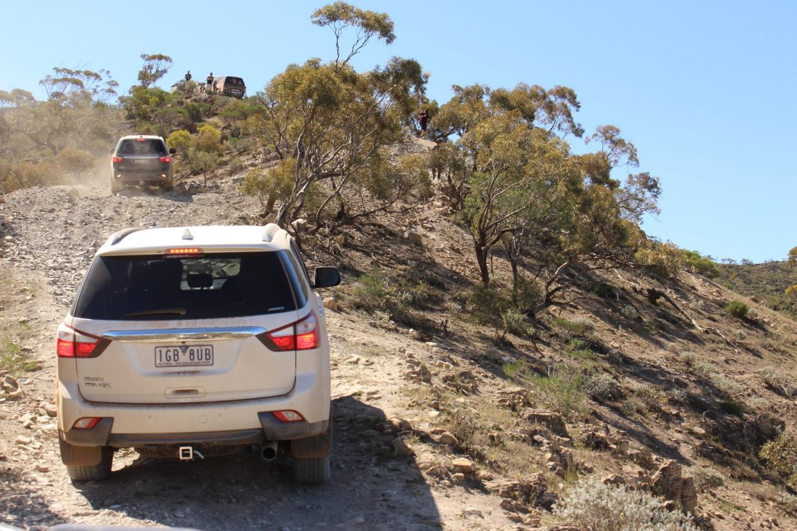 Isuzu MU-X and D-Max dual cab ute handled the rough stuff in the Flinders Ranges.
