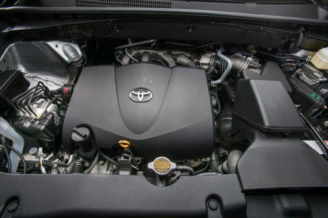 2017 Toyota Kluger.