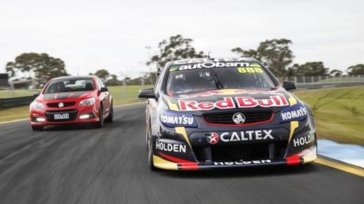 We race Bathurst champion Craig Lowndes in his Red Bull V8 Supercar around the Sandown racecourse