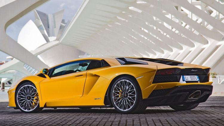 The new Lamborghini Aventador S comes with four-wheel steering.