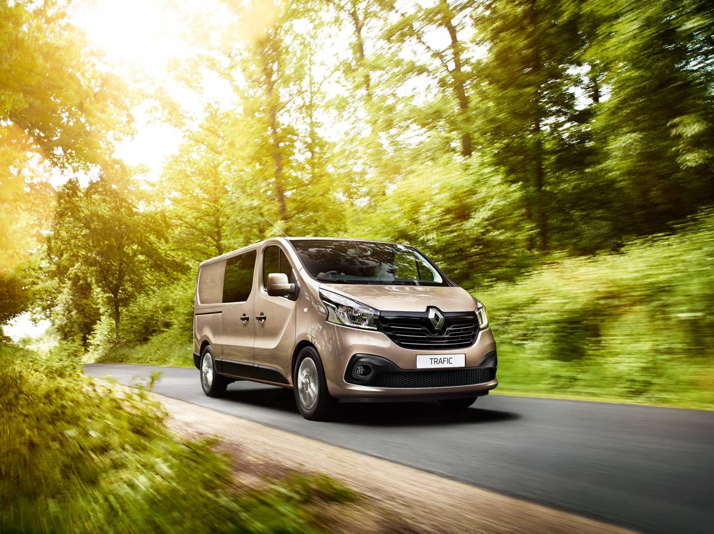 Renault Launches Six-Seat Trafic Crew