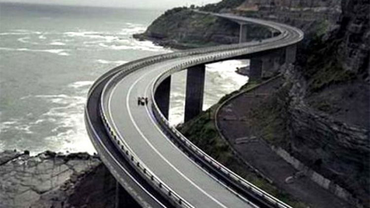 A screen shot of the TV advertisement featuring the Sea Cliff Bridge.
