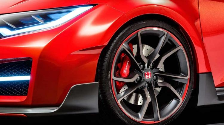 New 206kW Honda Civic Type R breaks cover at the 2014 Geneva motor show.