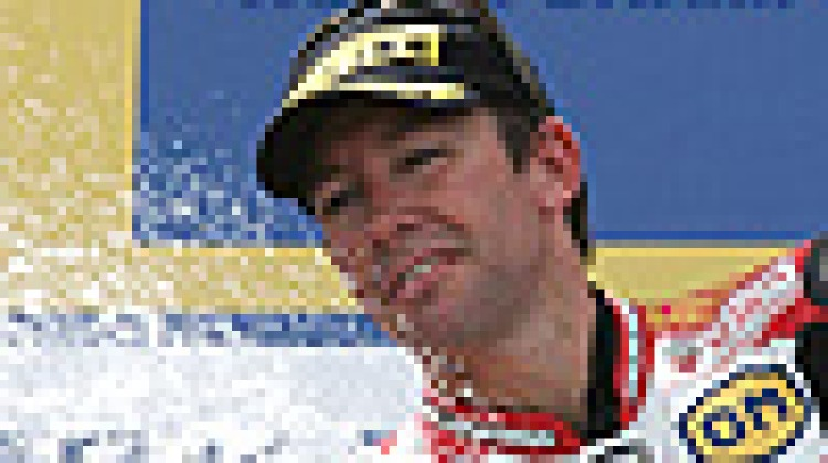 Bayliss jumps to second in title chase