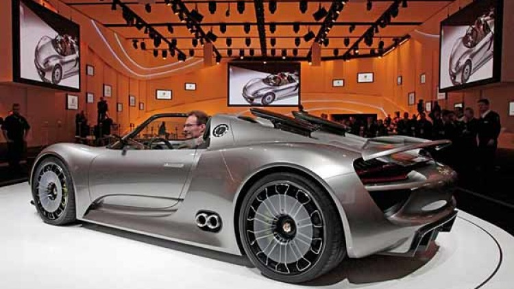 Porsche unveils its new 918 Spyder hybrid supercar at the Geneva 2010 motor show