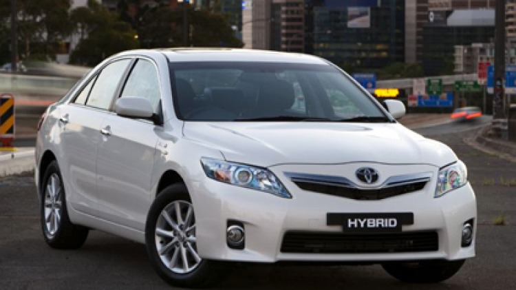 The plant will produce four-cylinder petrol engines for both the Hybrid Camry and regular Camry models from the second half of 2012.