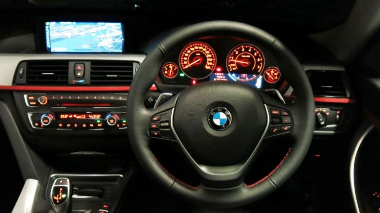 BMW 328i GT.