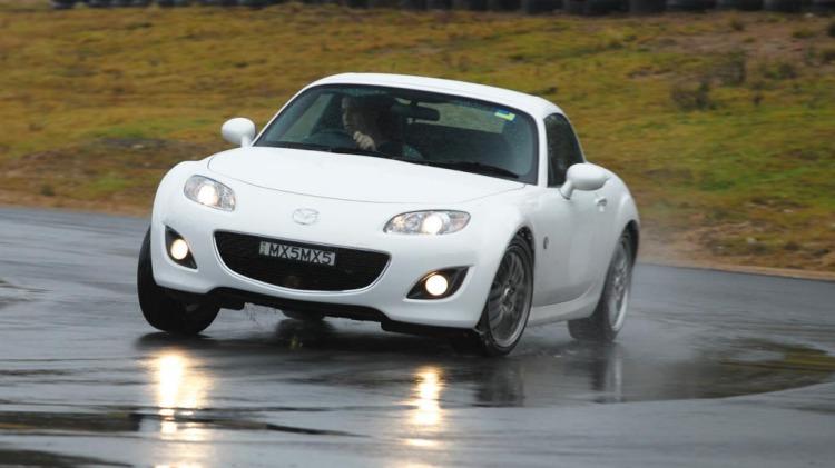 Mazda MX-5 Roadster Coupe Sports.