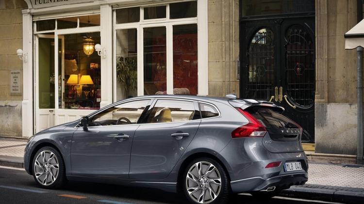 Volvo V40 Hatchback. Pictures: Autoblog.