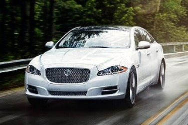 Jaguar XJ.