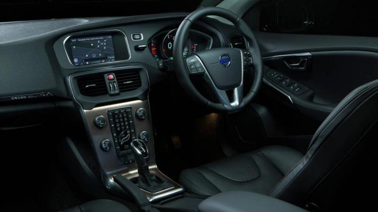 New Volvo V40 Cross Country.