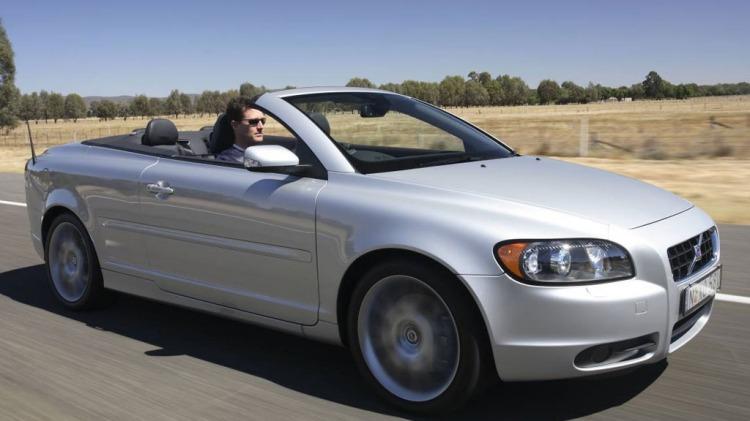2008 Volvo C70.