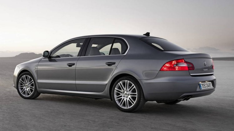 Skoda Superb models fitted with the seven-speed DSG gearbox have been recalled.